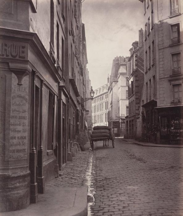 Улица Rue de la Bucherie в 5-м округе Парижа, 1866–68 гг. Автор фото: Charles Marville.