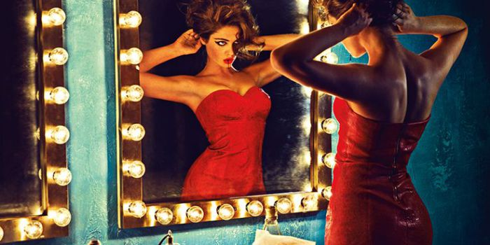 Зеркало. Яркие и эффектные снимки от фотографа Chen Man.