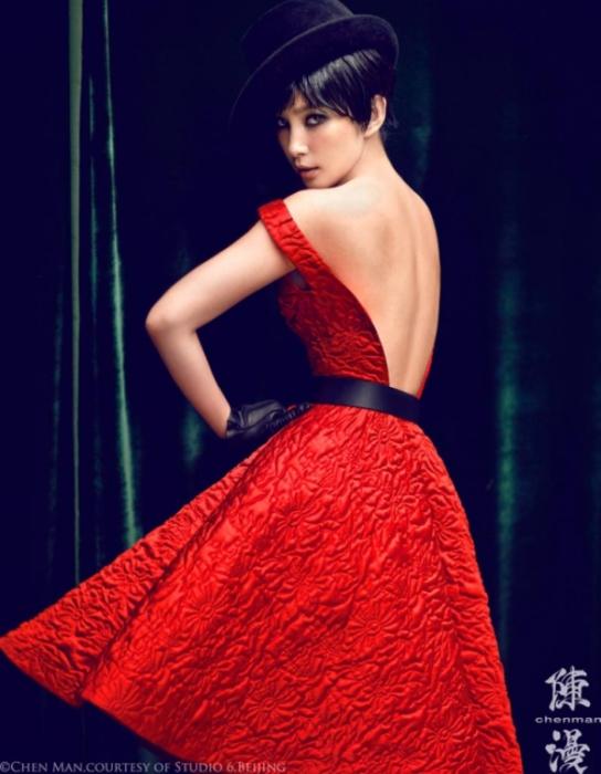 Девушка в красном. Яркие и эффектные снимки от фотографа Chen Man.