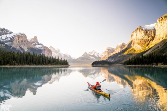 Утро в Альберте, Канада. Автор фото: Chris Burkard.