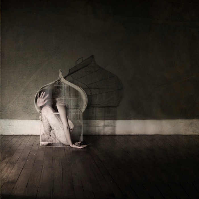 Заточение мыслей.  Автор фото: Кристина Муратон (Christine Muraton).