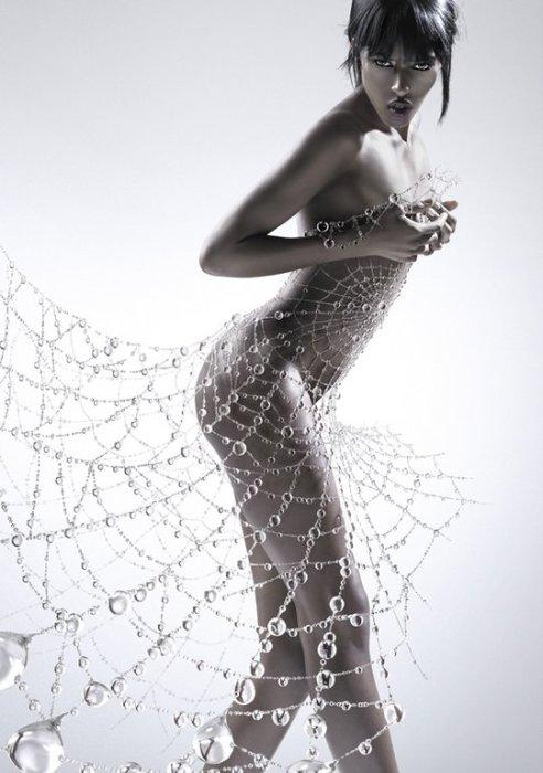 Платье из россыпи водных капель. Сюрреалистические работы от Christophe Gilbert.