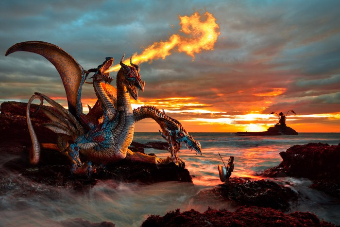 Огнедышащий дракон. Автор: Christophe Kiciak.