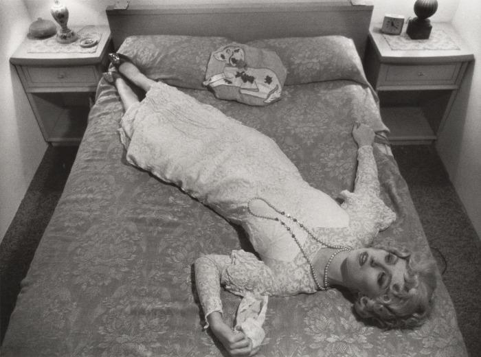 «Кадры из фильма без названия» № 11, Синди Шерман, 1978 год. \ Фото: wordpress.com.