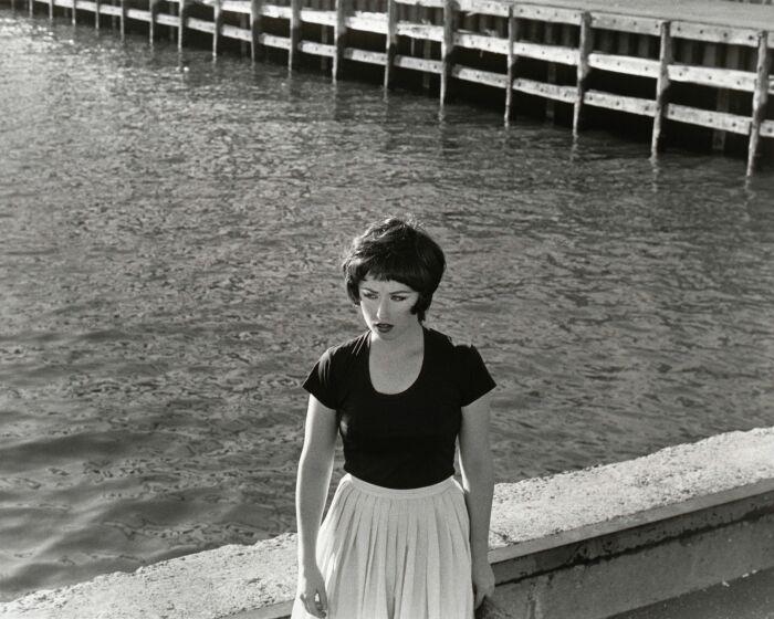 «Кадры из фильма без названия» № 25, Синди Шерман, 1978 год. \ Фото: pinterest.ca.