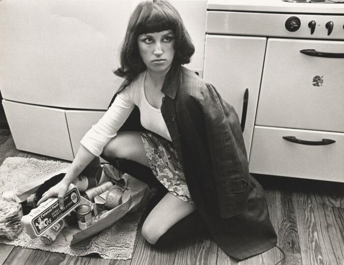«Кадры из фильма без названия» № 10, Синди Шерман, 1978 год. \ Фото: observatoridelesdones.org.
