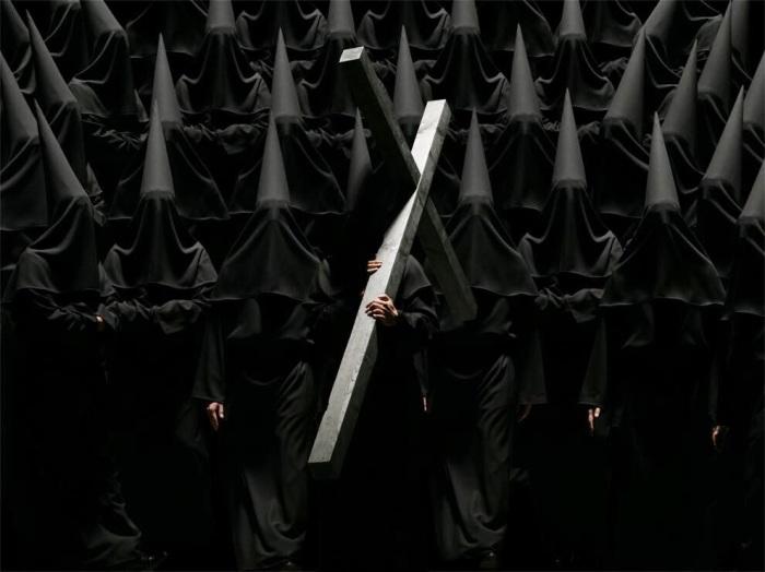 Тайное общество. Автор фото-постановок: Клаудия Рогге (Claudia Rogge).