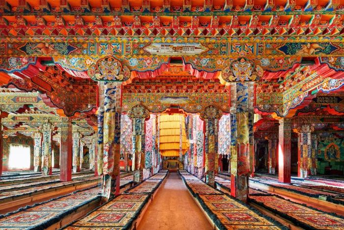 Храм в Darjay Gompa, Западная Сычуань, Китай. Автор фото: Colin Miller.
