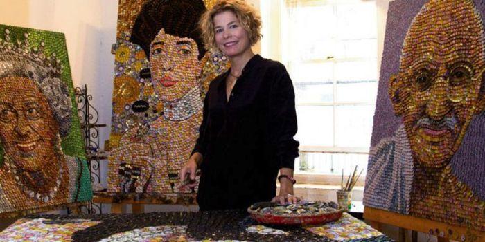 Молли и её шедевры. \ Фото: charlestonmag.com.