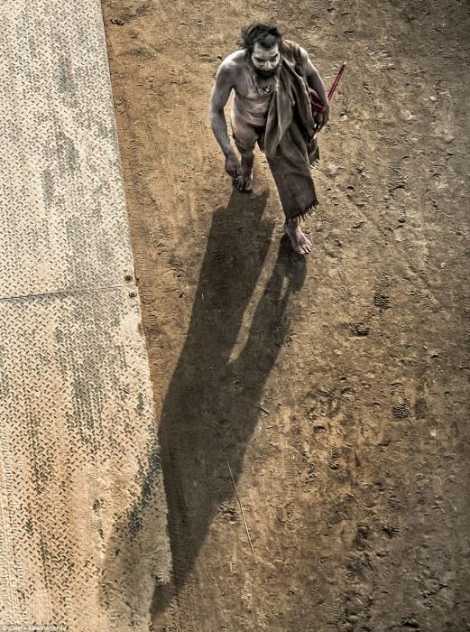 Мрачный агхори. Автор фото: Cristiano Ostinelli.
