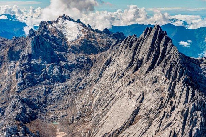 Гора Пунчак Джая.