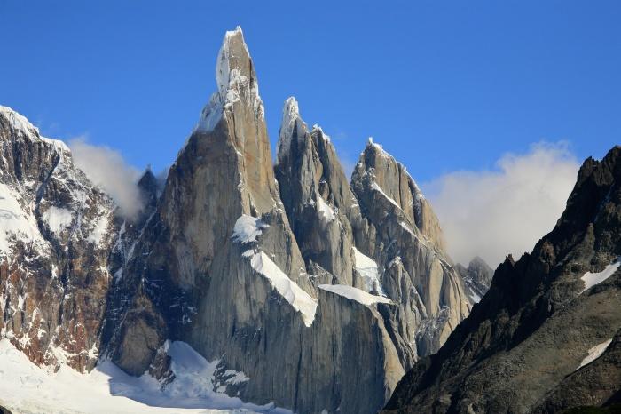 Гора Серро-Торре.
