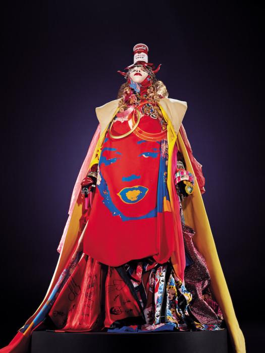 Платье с портретом. Автор: Daniel Lismore.