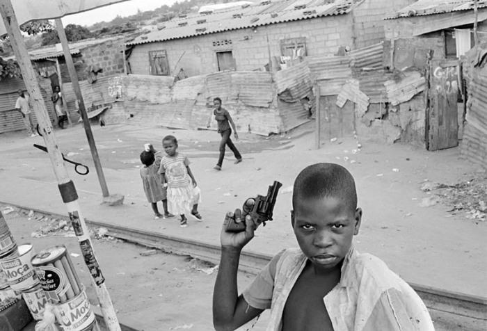 Дети улиц Бомбея. «Бездомные дети Бомбея». Автор фото: Дарио Митидиери (Dario Mitidieri).