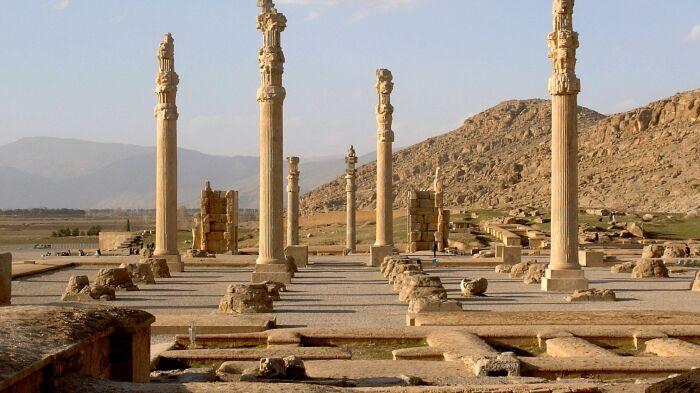 Руины Персеполя, около 515 года до н. э. \ Фото: yandex.ua.