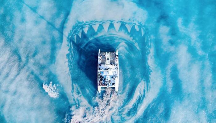 В пасти акулы. Автор: Demas Rusli.