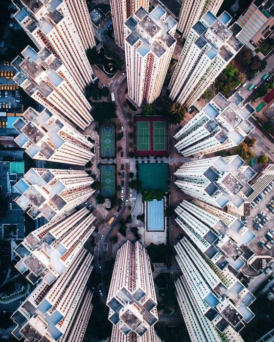 Над городом. Автор: Demas Rusli.