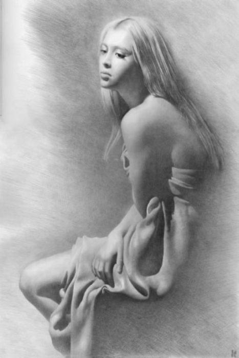 Рисование голых женщин