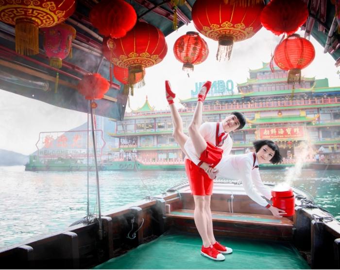 Дизайнеры из агентства Design Army создали красочную серию плакатов с танцорами Гонконгского балета.