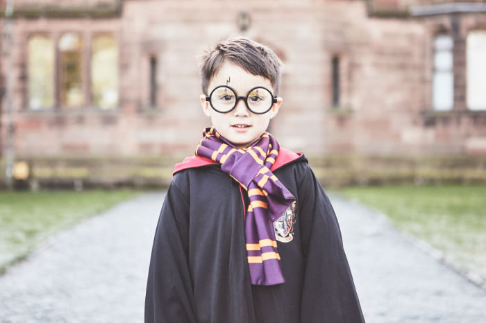 Маленький Гарри Поттер.