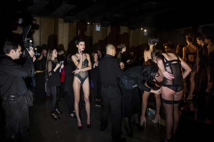 Презентация женского белья в отеле в Dream. Неделя моды в Нью-Йорке, осень 2013 г. Автор фото: Dina Litovsky.