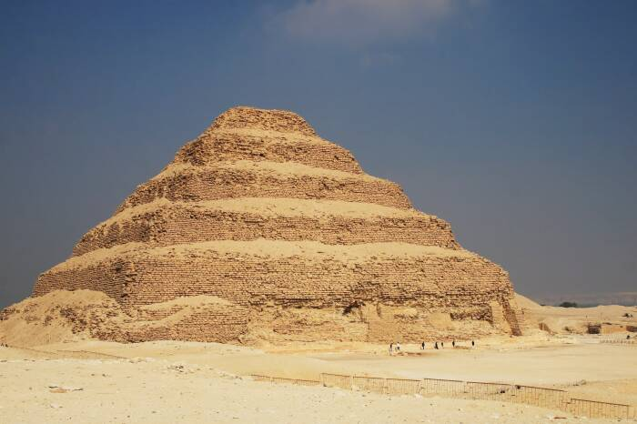 Пирамида Джосера, Саккара, Египет. \ Фото: architecturaldigest.com.
