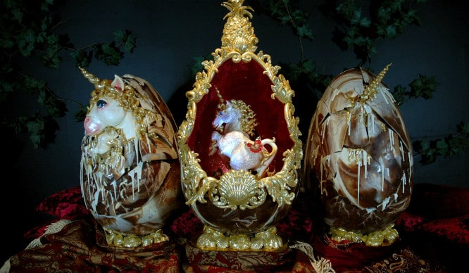 Пасхальные яйца с единорогами. | Фото: secretldn.com.
