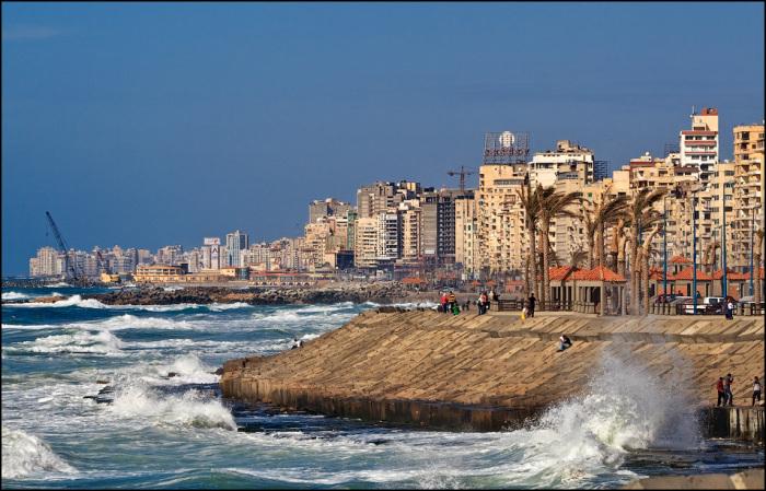 Египет, Александрия - древнейший нильский город.