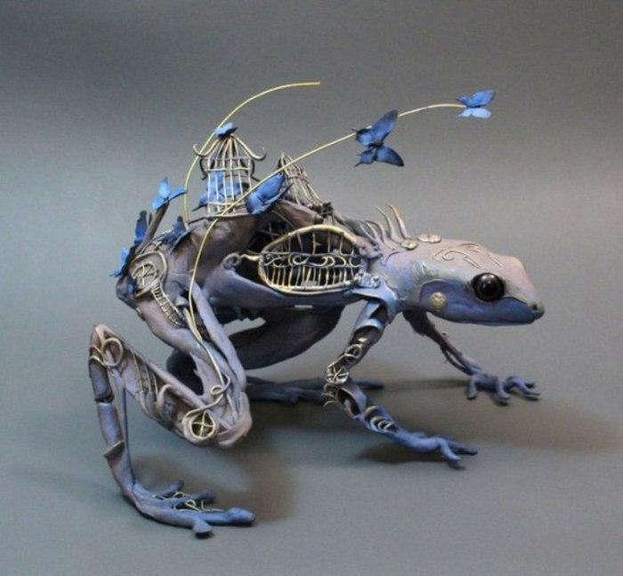 Лягушка. Автор скульптуры: Эллен Джеветт (Ellen Jewett).