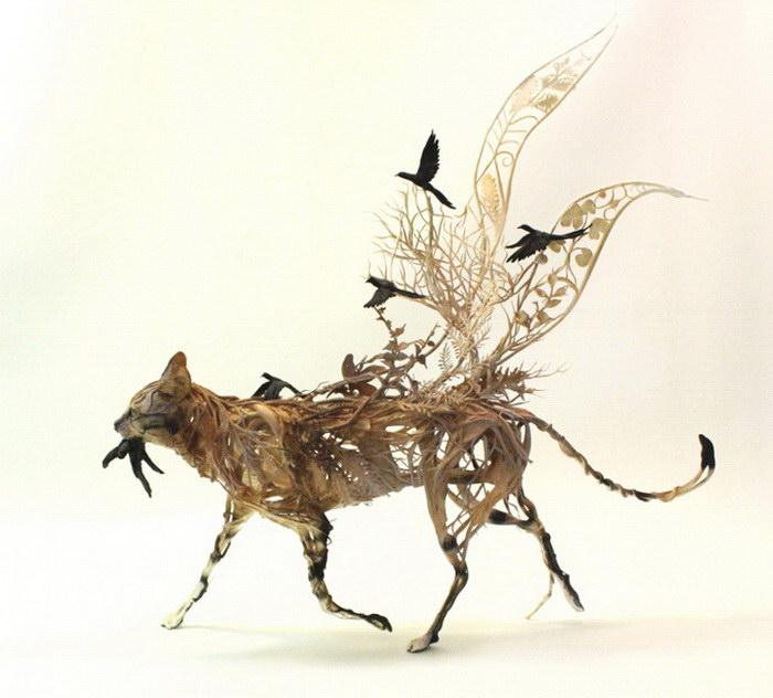 Кошка. Автор скульптуры: Эллен Джеветт (Ellen Jewett).