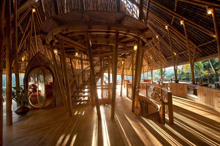 Бамбуковые дома на Бали. Автор идеи: дизайнер Elora Hardy.