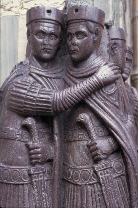 Порфировая статуя тетрархов Диоклетиана и Максимиана. \ Фото: quod.lib.umich.edu.