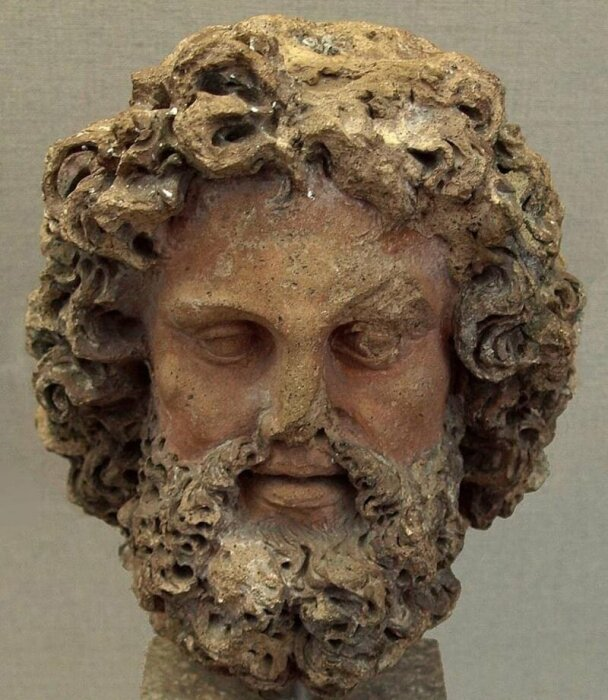 Терракотовая статуя бога Тиния. \ Фото: google.com.