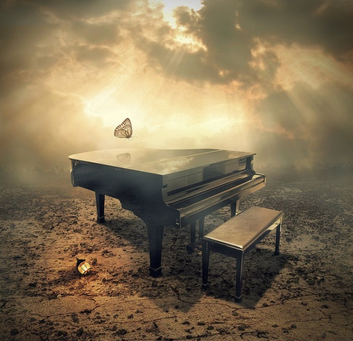 Старый рояль. Автор: Even Liu.