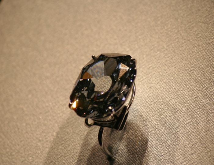 Одно из самых дорогих колец в мире. \ Фото: nammu.com.