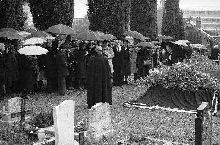 Украденный гроб Чарли Чаплина. \ Фото: google.ru.
