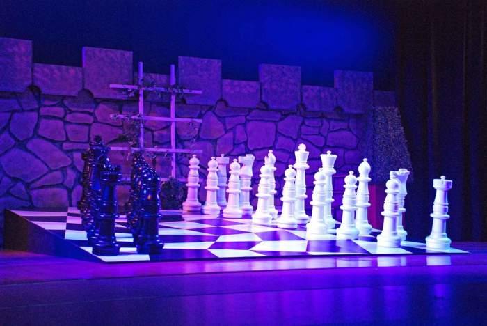 Игры в шахматы.