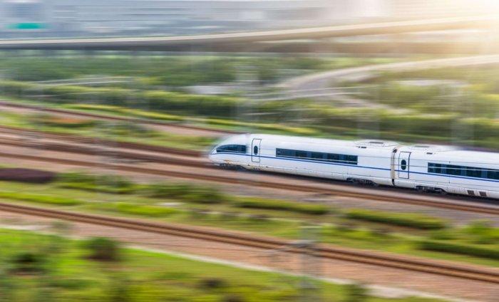 Китайская железная дорога. \ Фото: cestujlevne.com.
