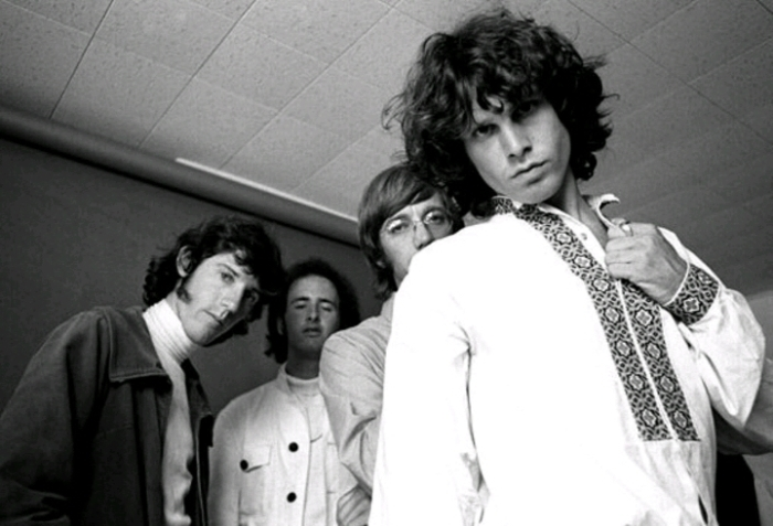Харизматичный и неординарный фронтмен The Doors. \ Фото: teenergizer.org.