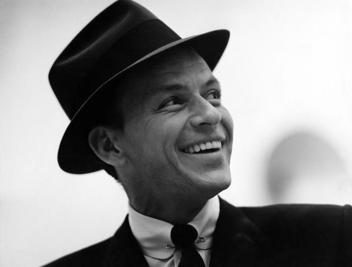 Фрэнк Синатра в Нью-Йорке, 1956 год. \ Фото: orloffmagazine.com.