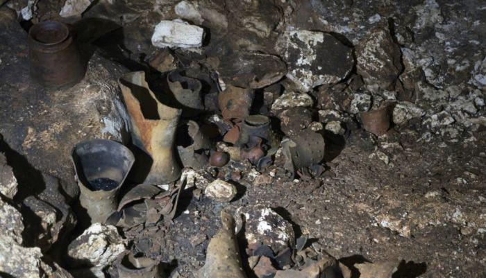 Доколумбовы артефакты находятся в пещере на развалинах майя в Чичен-Ице, Юкатан, Мексика. \ Фото: nationalgeographic.com.