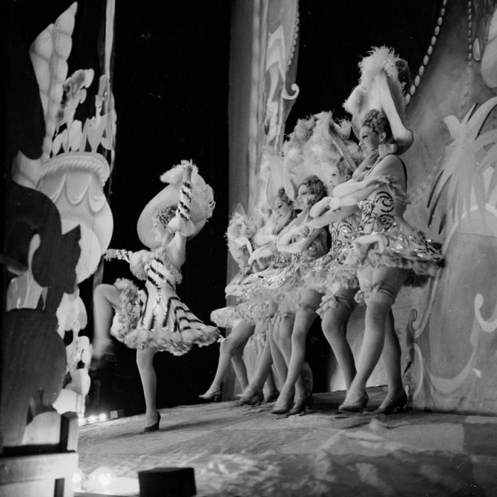 Танцевальное шоу. Shou Girls, или зрелищные постановки с полуобнажёнными девицами в кабаре «Фоли-Бержер», 1918 - 1937 гг.