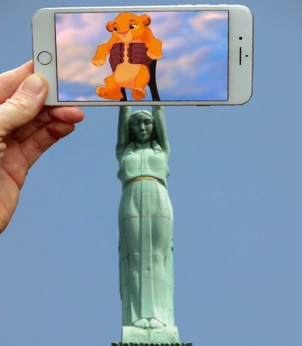 Фотограф при помощи айфона переносит популярных киногероев в повседневную реальность