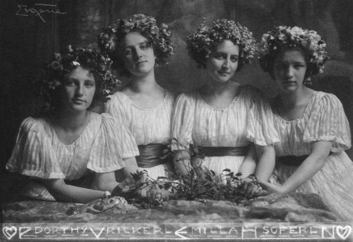 Четыре сестры, 1900 год. Автор: Frank Eugene.