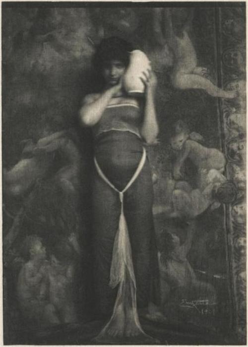 Ребекка, 1910 год. Автор: Frank Eugene.