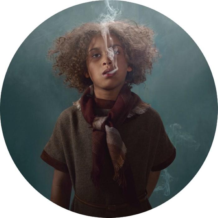 Просто позёрство: Провокационно-скандальные фотографии курящих детей