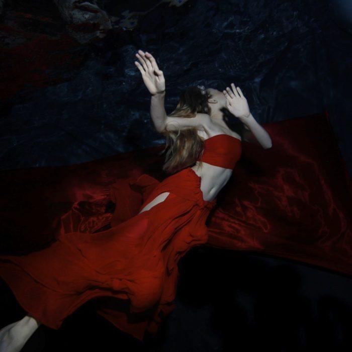 Подводный танец. Автор: Gabriele Viertel.