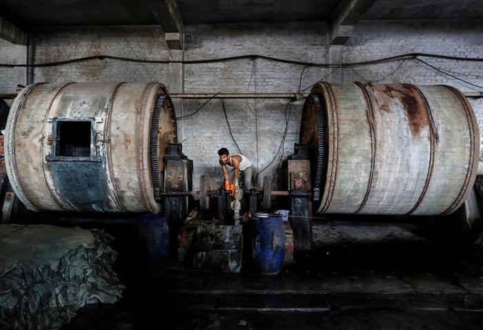 Канпур — один из крупнейших центров промышленности в Индии, и многие производства сбрасывают отходы в Ганг без всякой очистки. \ Фото: google.com.