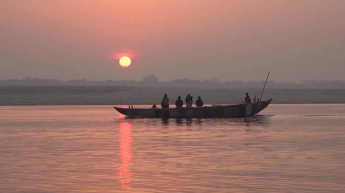 Река Ганг на закате. \ Фото: vsya-planeta.ru.