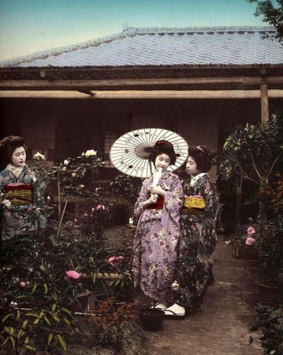 Гейши на прогулке, 1890 год.
